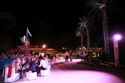 Incentive travel event at hotel pool bar 2