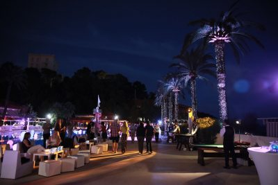 Incentive travel event at hotel pool bar 5